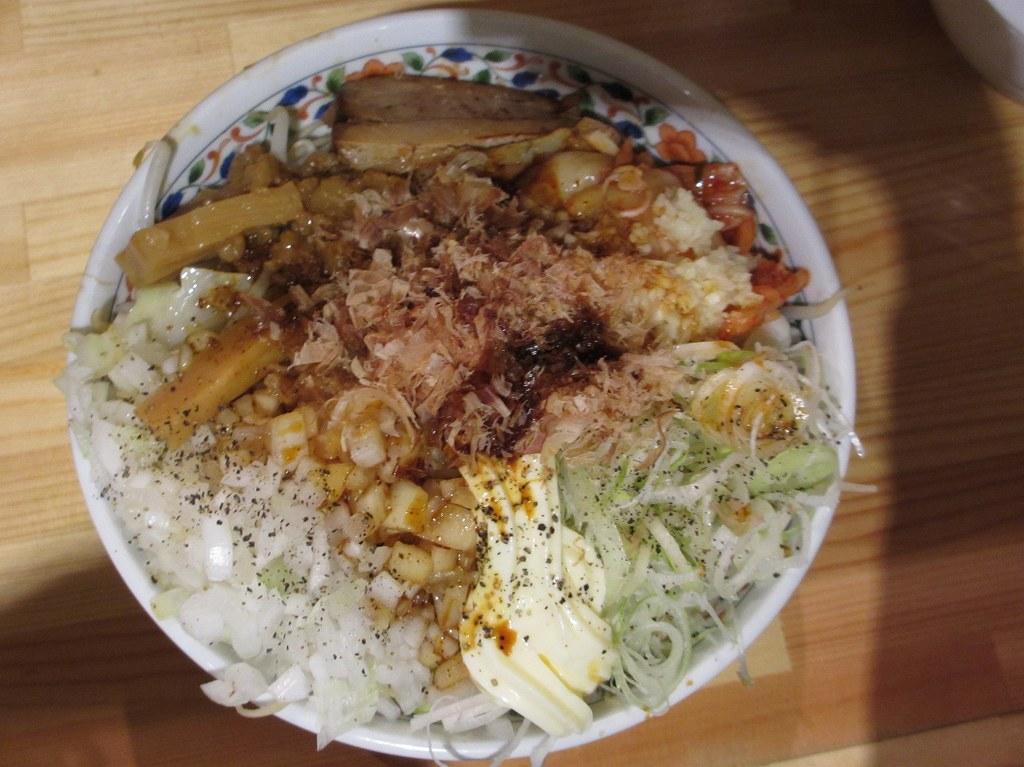 まぜそば カレーラーメン(野菜マッチョ増) まぜそば 肉岩石with雲呑(限定)... 麺マッチ
